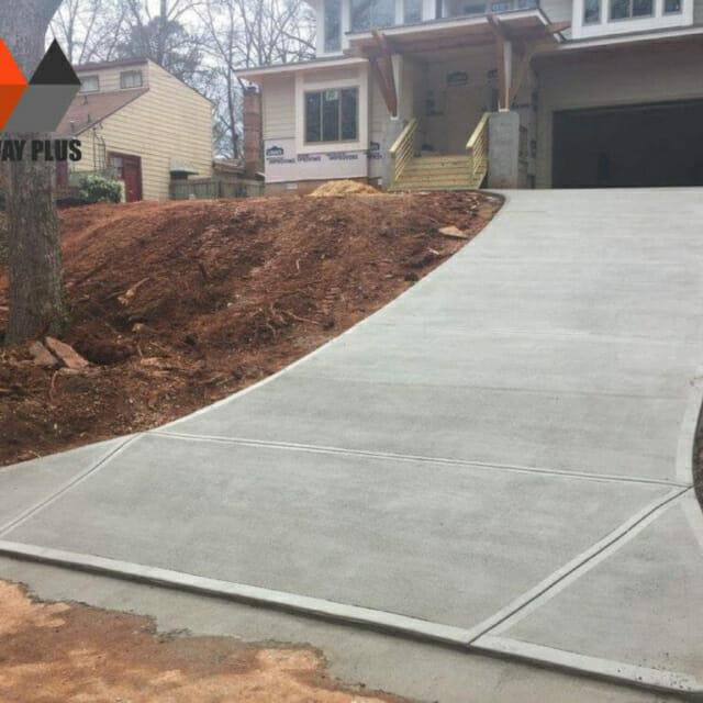 New driveway modern house in Altanta, GA