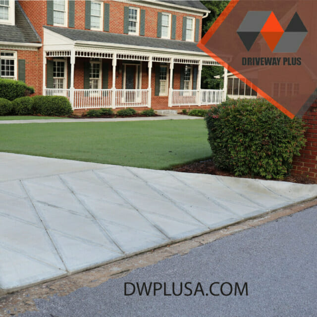 Driveway with a chess apron in Lilburn, GA